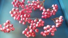 Декоративная веточка с розовыми  ягодами