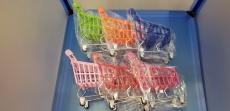 Сувенир в виде тачки из супермаркета